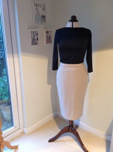 A simple 1950s style pencil skirt